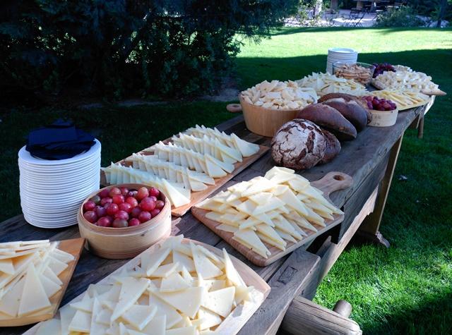 Corner buffet quesos con uvas